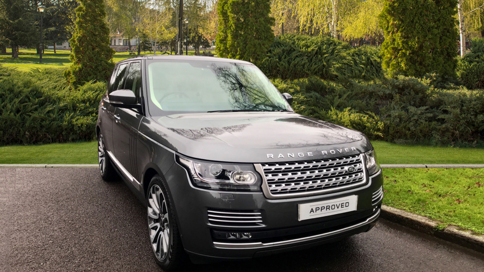Land Rover Range Rover 4.4 SDV8 Autobiography 4dr + SlidingPanoramic Roof Diesel Automatic 5 door Estate (2017) image
