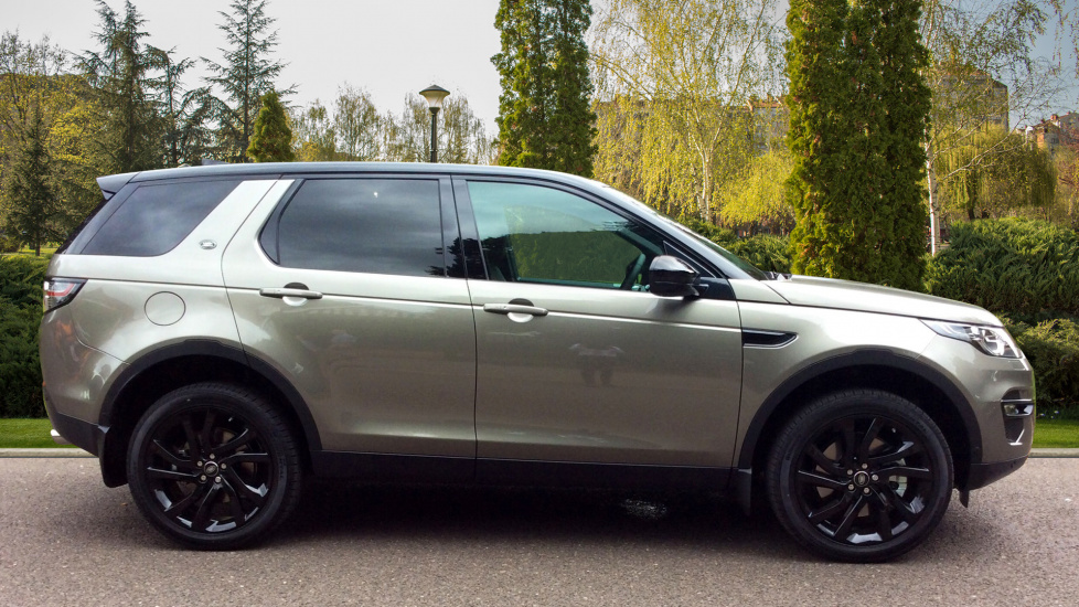 http://eu.cdn.autosonshow.tv/1147/guidedpauseautoimageautodirect/EY67GUC/LAND_ROVER__DISCOVERY_SPORT__SD4_HSE_BLACK__DIESEL______EY67GUC-e05_md.jpg