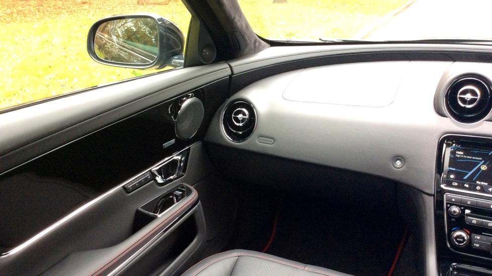 Jaguar XJ 3.0d V6 R-Sport 4dr image 11