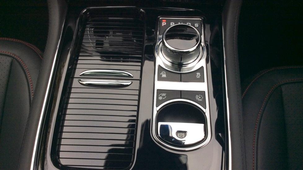 Jaguar XJ 3.0d V6 R-Sport 4dr image 20