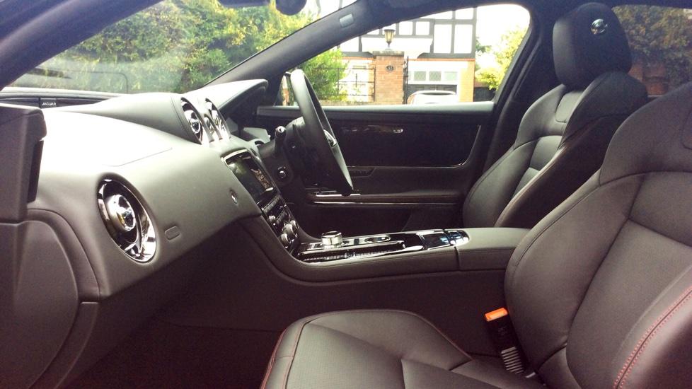 Jaguar XJ 3.0d V6 R-Sport 4dr image 27