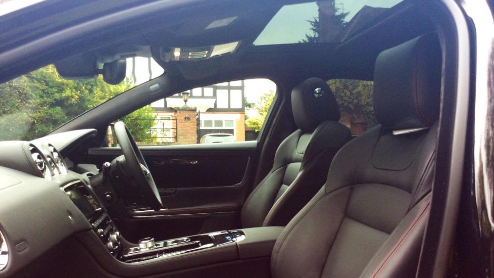 Jaguar XJ 3.0d V6 R-Sport 4dr image 28