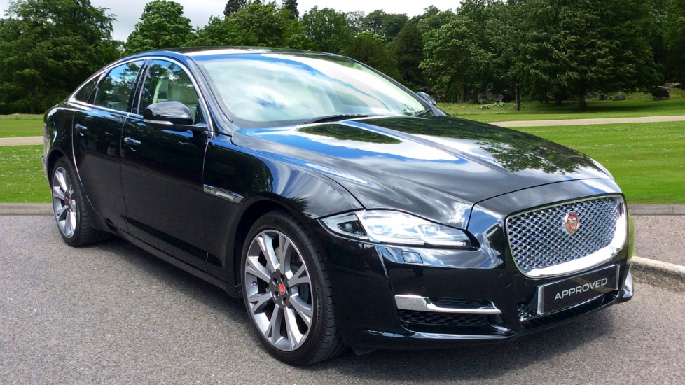 jaguar xj v6 portfolio diesel automatic 4 door saloon 2017 en66xfx in stock jaguar. Black Bedroom Furniture Sets. Home Design Ideas