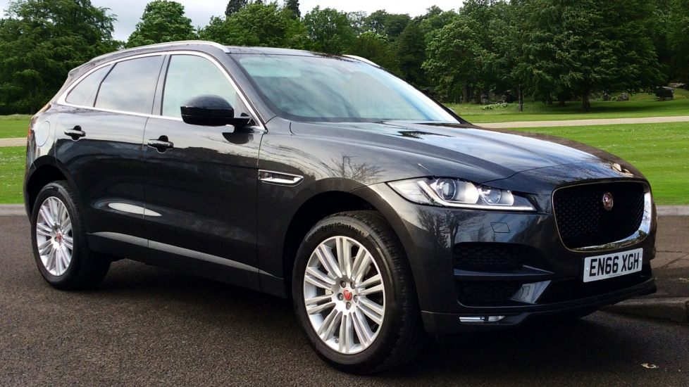 Jaguar F-PACE 2.0d Portfolio 5dr AWD Diesel Automatic 4 door Estate (2017) image