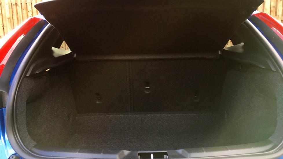 Volvo V40 2.0 T3 R-Design 5-Door Hatchback (Rear Parking Sensors)