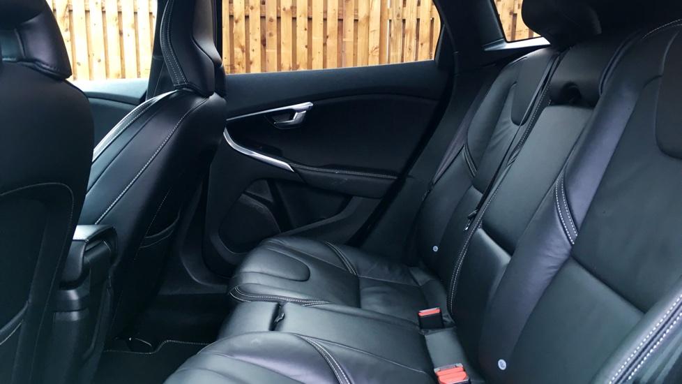 Volvo V40 2.0 TD D2 R-Design Pro 5-Door Hatchback (Navigation)