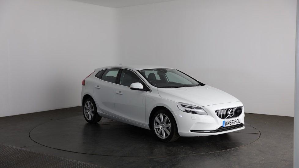 volvo v40 d2 inscription manual used vehicle by strathmore perth. Black Bedroom Furniture Sets. Home Design Ideas