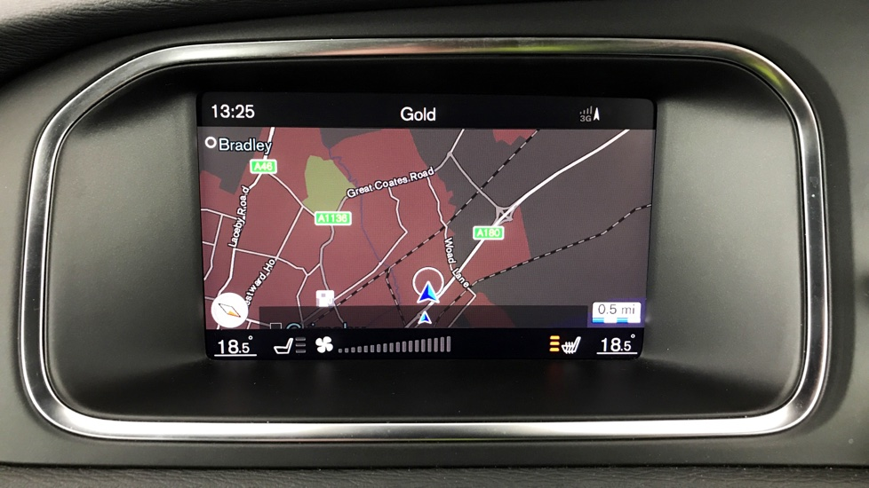 Volvo V40 D4 R-Design Pro Automatic Xenium Pack, Harman Kardon Sound, Intellisafe Pro