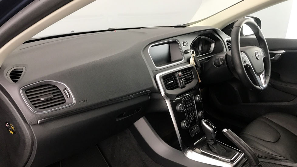 Volvo V40 D4 Inscription Automatic Intellisafe Pro, Rear Tints, Front and Rear Assist