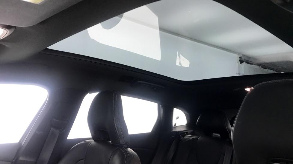 Volvo V40 D3 R-Design Pro Manual+ WINTER PACK+XENIUM PACK