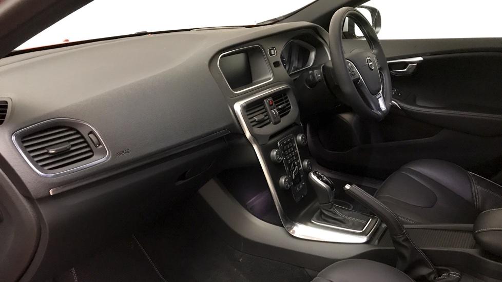 Volvo V40 D4 R-Design Pro - Satellite Navigation - Winter Pack - Intellisafe Pro