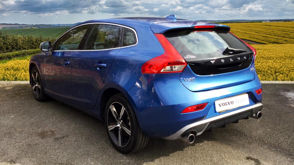 Volvo V40 T2 R-Design Nav Plus Winter Pack 0% Finace avalible 2 Services £199 T&C Apply