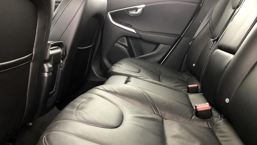 Volvo V40 2.0 TD D3 Inscription 5-Door Hatchback