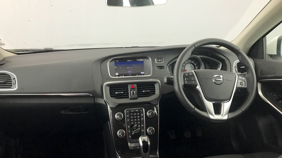 Volvo V40 D4 Momentum Nav Plus Manual with Winter Pack, Premium Paint and Spare Wheel