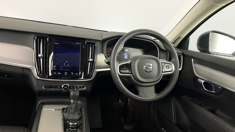 Volvo S90 D4 190hp Inscription Geartronic (9' Touch Screen, 18' Alloys, Rear Park, Leather, Winter Pack, Pilot Assist)