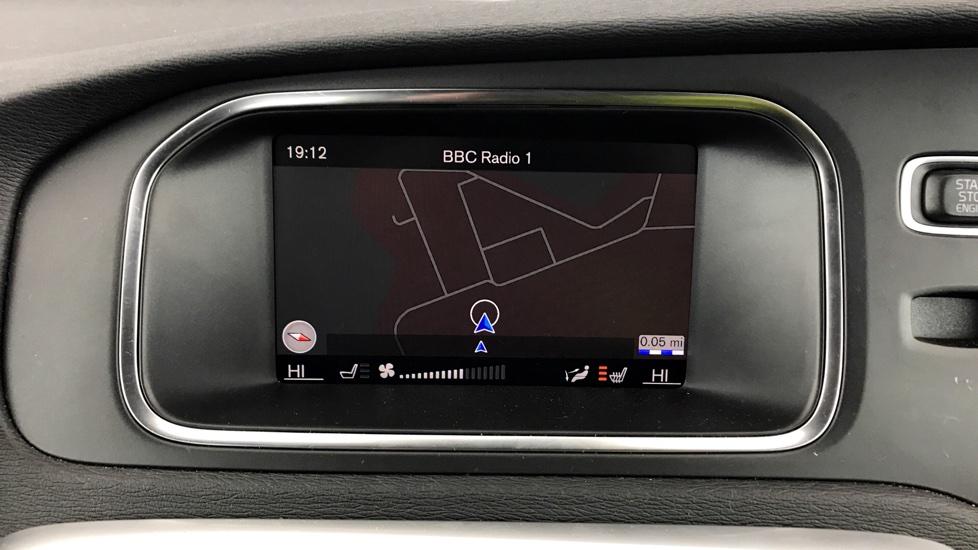 Volvo V40 D4 R-Design Pro - Satellite Navigation - Winter Pack - Rear Park Assist