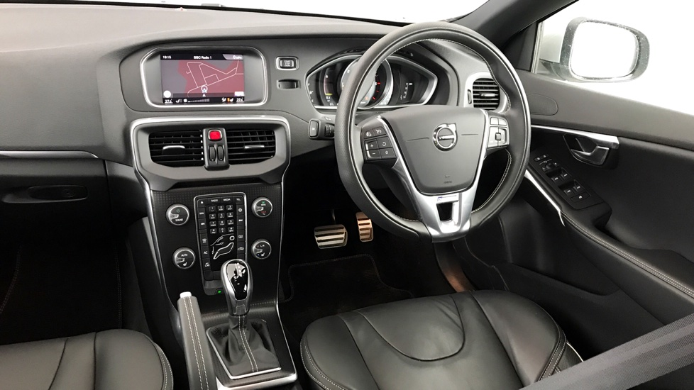 Volvo V40 D4 R-Design Pro Automatic+ 0% Finance Available & 2 Services for £199