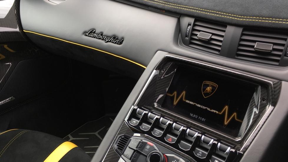 Lamborghini Aventador SV LP 750-4 Roadster Superveloce 2dr ISR image 12