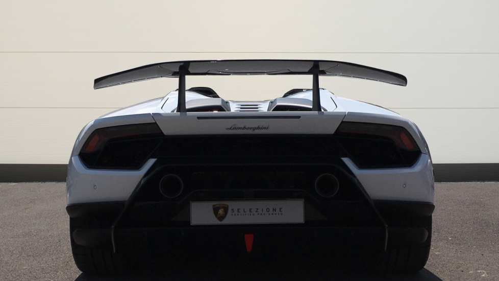 Lamborghini Huracan Performante Spyder LP 640-4  image 7
