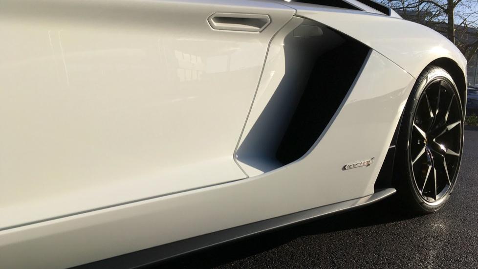 Lamborghini Aventador S Roadster LP 740-4 S 2dr ISR image 16