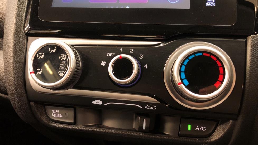 Honda Jazz 1.3 i-VTEC SE 5dr image 16