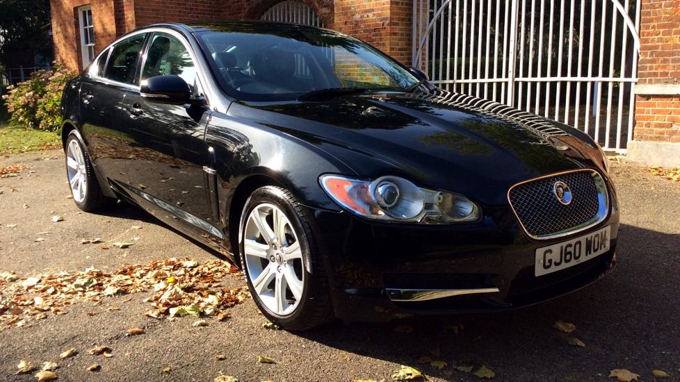 Jaguar XF 3.0 V6 Luxury Automatic 4 door Saloon (2011) image