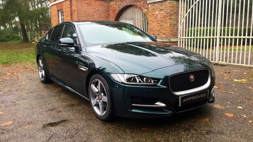 jaguar xe 180 r sport diesel automatic 4 door saloon 2017 at jaguar welwyn. Black Bedroom Furniture Sets. Home Design Ideas