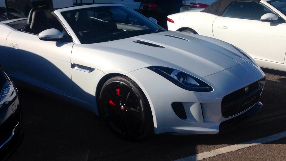 Jaguar F-TYPE 380 S High Spec Unregistered Delivery Miles Save £13850 !! 3.0 Automatic 2 door Convertible (2017) image