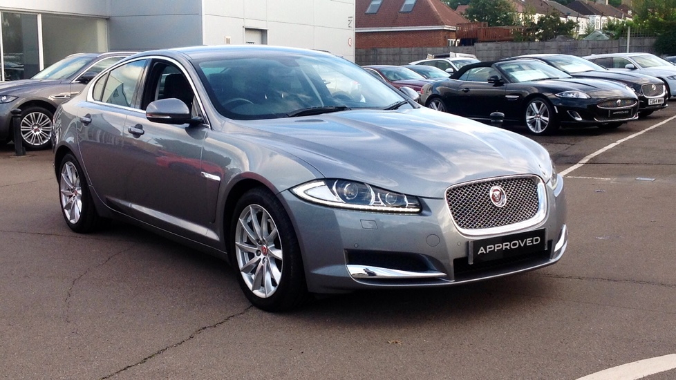 Jaguar XF 2.2d [200] Premium Luxury Diesel Automatic 4 door Saloon (2014) image