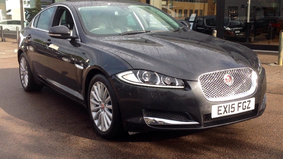 Jaguar XF 2.2d [200] Luxury Low Miles Diesel Automatic 4 door Saloon (2015) image