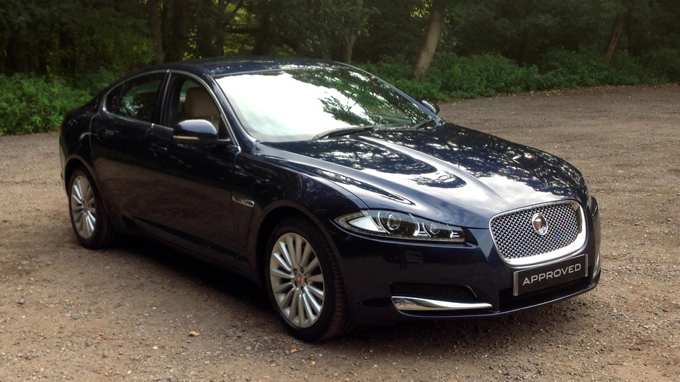 Jaguar XF 2.2d [200] Luxury Diesel Automatic 4 door Saloon (2015) image
