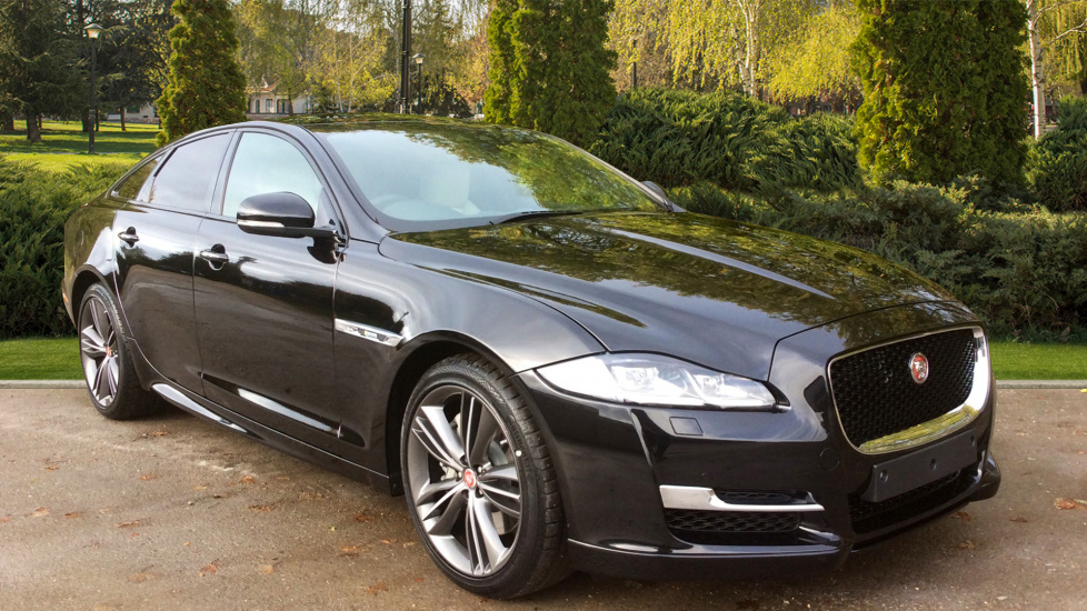 Jaguar XJ 3.0 V6 300PS Turbocharged R-Sport Diesel Automatic 4 door Saloon (2018) image