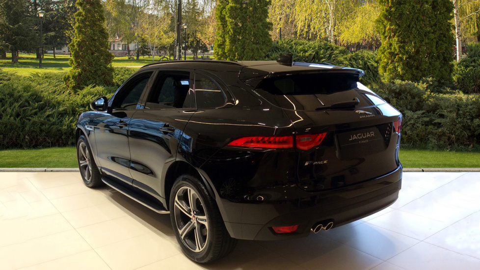 jaguar f pace r sport 5dr auto awd diesel automatic 4x4 2016 1240010 in stock used. Black Bedroom Furniture Sets. Home Design Ideas