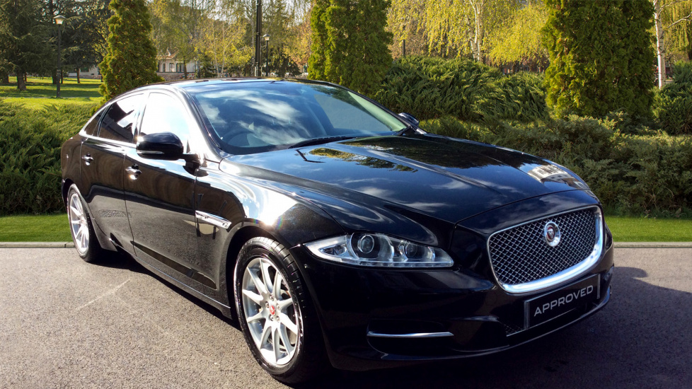 Jaguar XJ 3.0d V6 Premium Luxury [LWB] [8] Diesel Automatic 4 door Saloon (2015) image