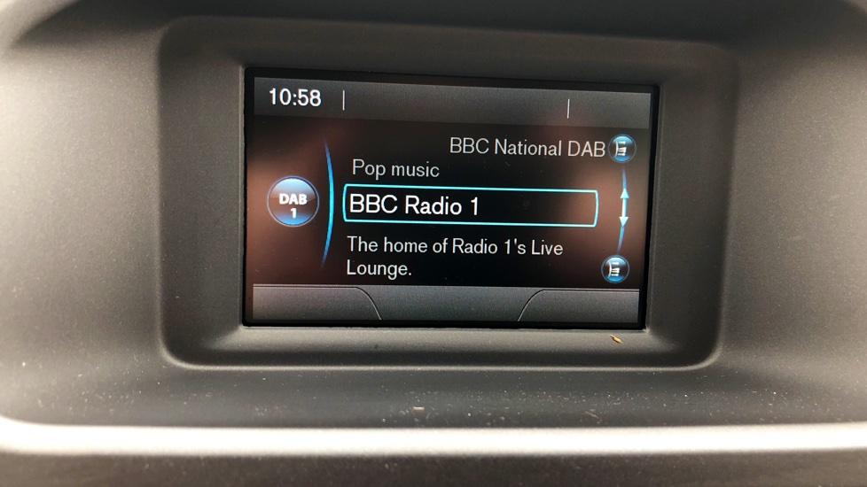 Volvo V40 2.0 T2 R-Design 5-Door Hatchback BLIS