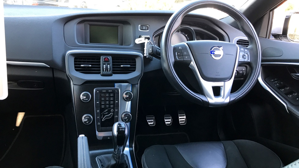 Volvo V40 D2 Manual R-Design. Winter Pack