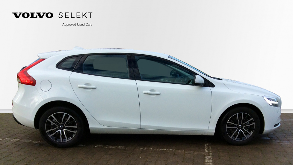 Volvo V40 T2 Momentum 0% APR Finance Available, 2 services for £199