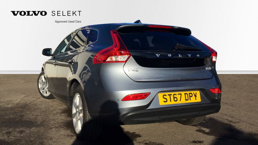 Volvo V40 D2 (120)  Inscription Manual