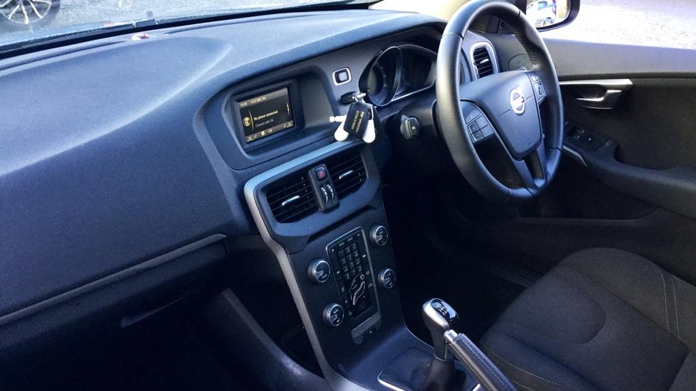 Volvo V40 D2 ES Manual