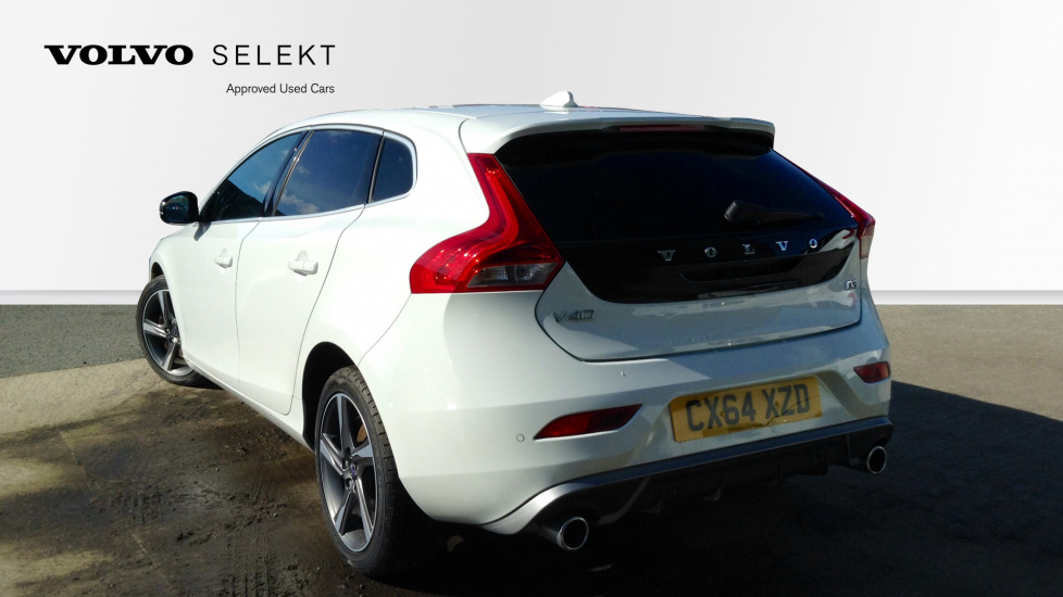 Volvo V40 D3 R-Design 2.0D Rear Park Assist, Heated Seats, DAB Radio