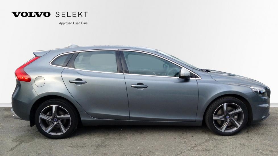 Volvo V40 D4 R-Design 2.0D Manual, Rear Park Assist, Bluetooth