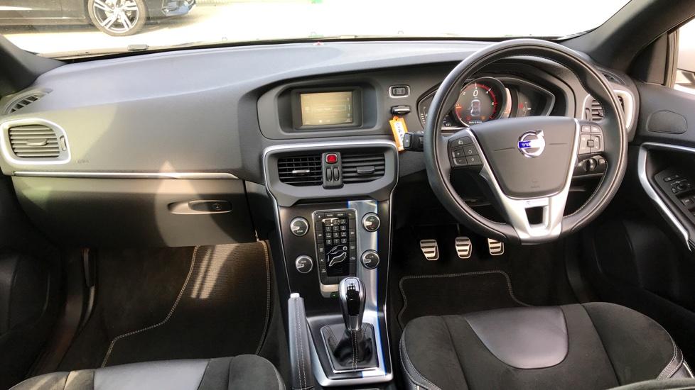 Volvo V40 D2 R-Design 2.0D Manual, Bluetooth, DAB Radio