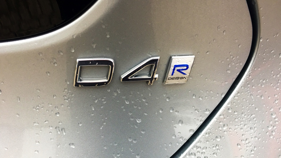 Volvo V40 D4 R-Design Pro Auto, Panoramic Glass Sunroof, Xenium, Winter, Park Assist Pilot