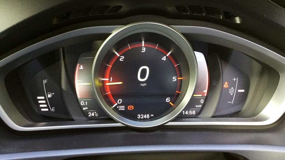 Volvo V40 D2 R-Design Nav Manual Sports Trim