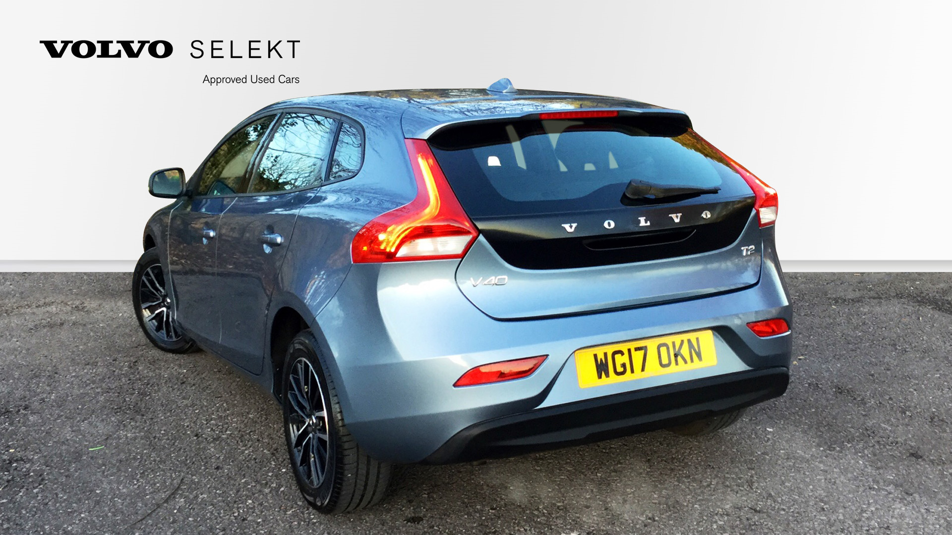 volvo v40 t2 momentum manual used vehicle by yeovil motor company yeovil. Black Bedroom Furniture Sets. Home Design Ideas