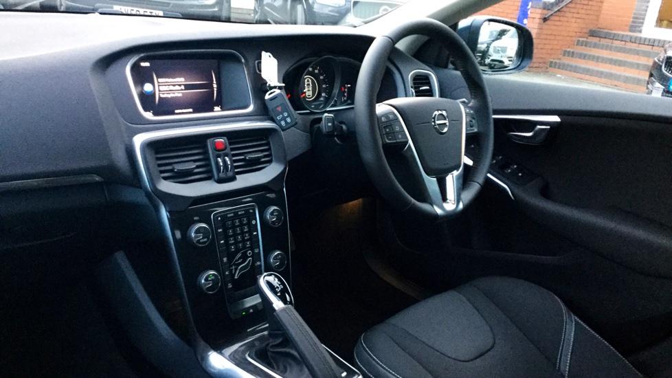 Volvo V40 D3 Momentum Automatic Nav Plus Bluetooth, Ipod Intergration