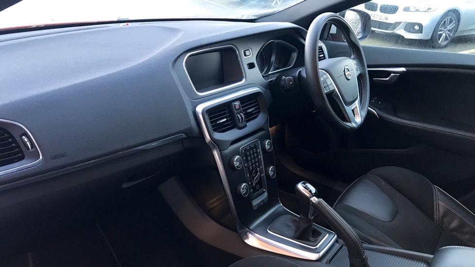 Volvo V40 D2 (120hp) R-Design Nav Plus (Cruise Control, Rear Park Assist)
