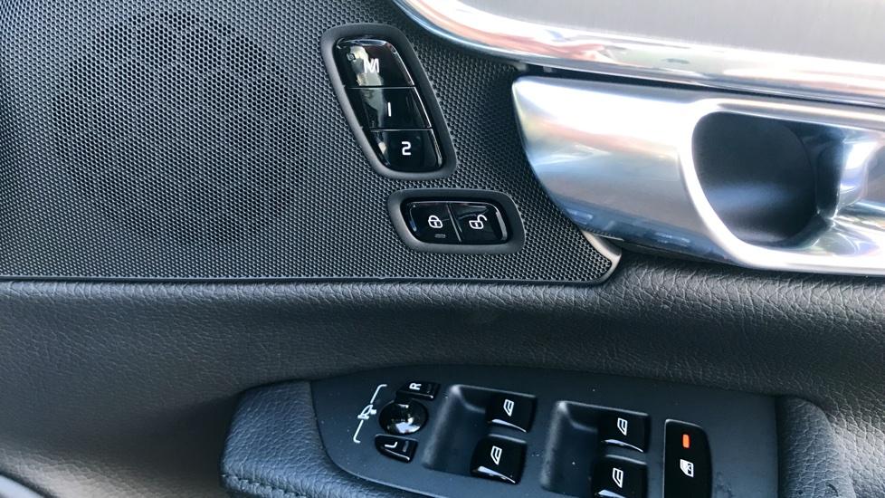 Volvo S90 D4 (188hp) Momentum Pro (Intellisafe, Rear Camera)