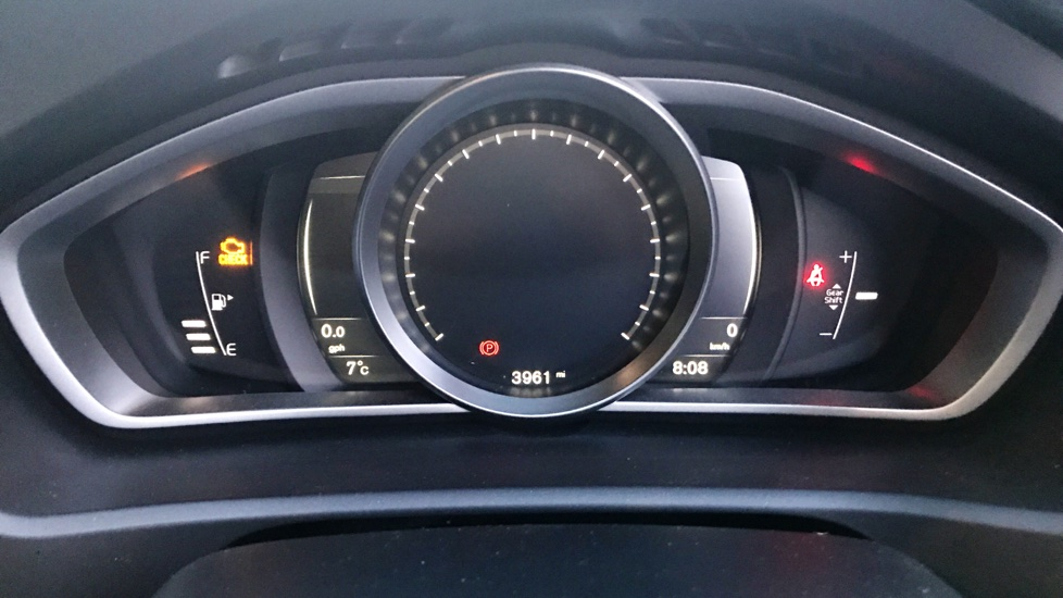 Volvo V40 D2 (120hp) R-Design Nav Plus (Sensus Nav, Rear Park Assist)