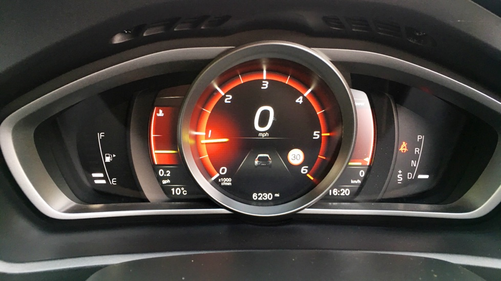 Volvo V40 D4 R-Design Pro Automatic Intellisafe Pro Pack, On Call, Front/Rear Assist
